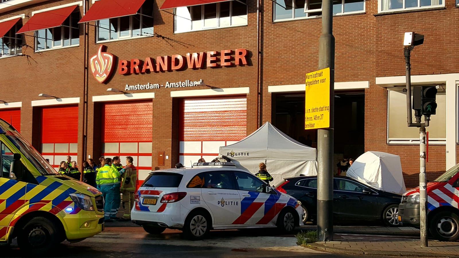 hulpverleners voor brandweerkazerne