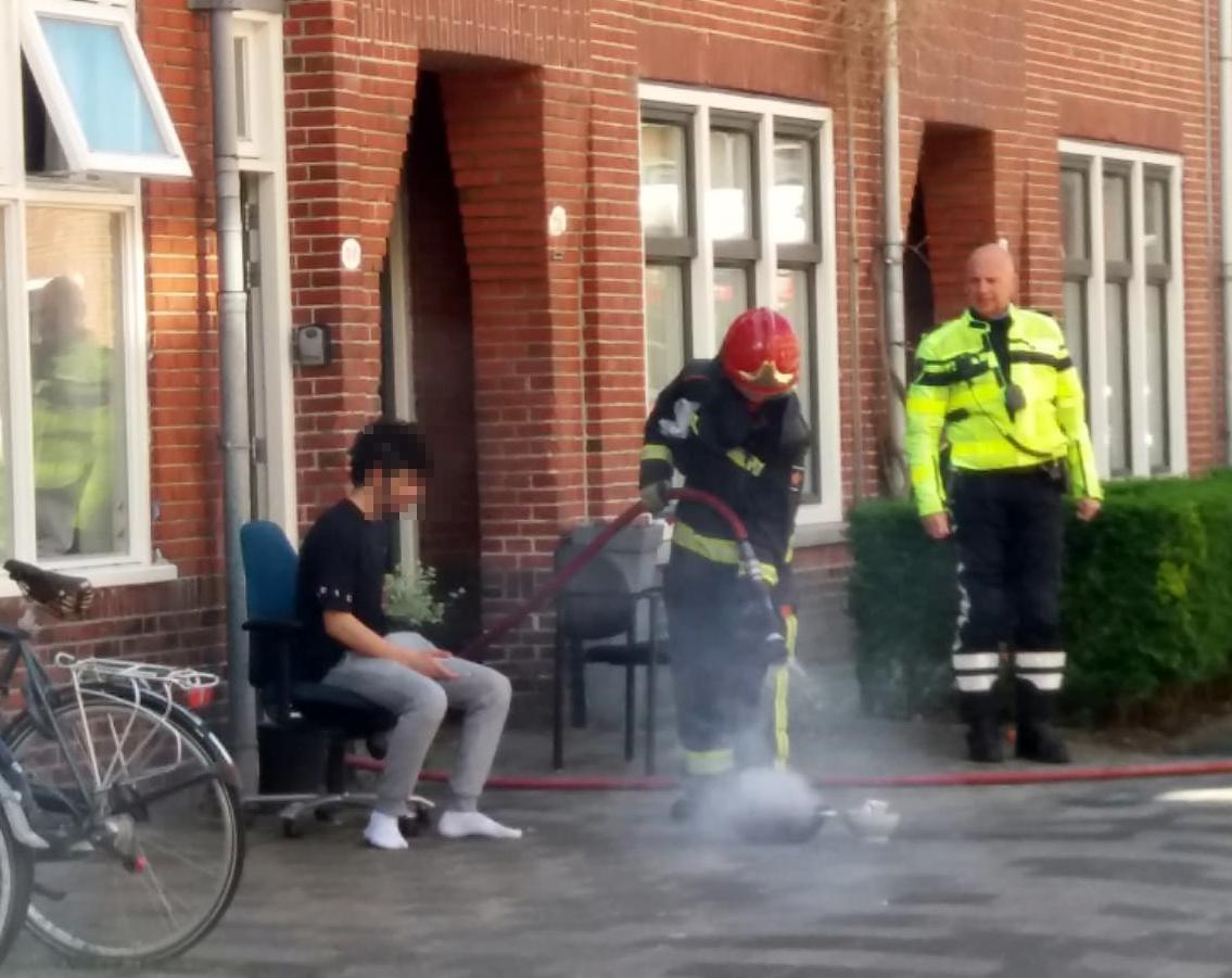 Brandweer koelt pan