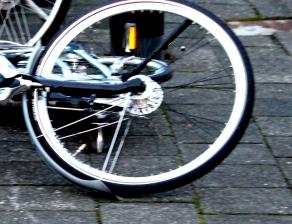 Foto van fiets op de grond | Archief FBF.nl