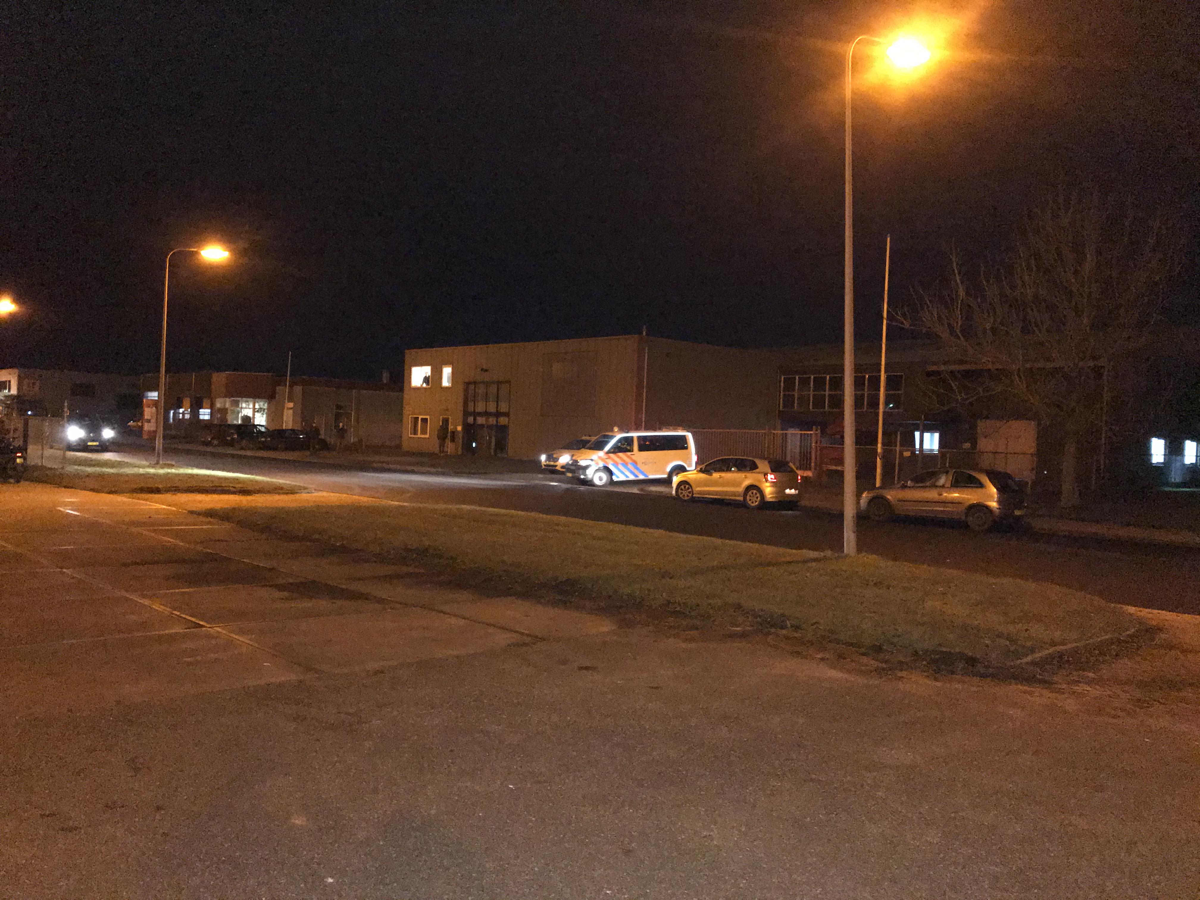 Politie bij gekraakt pand in Groningen