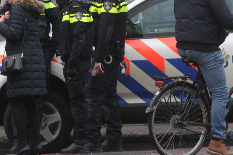 afzetting-agenten-politieauto