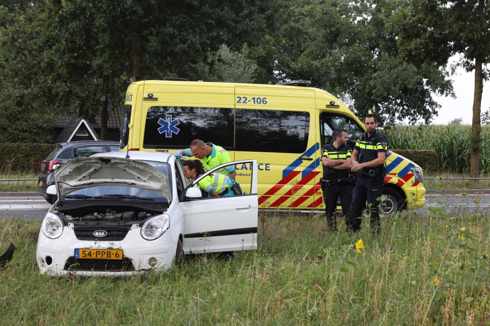 ambu-gewond-politie