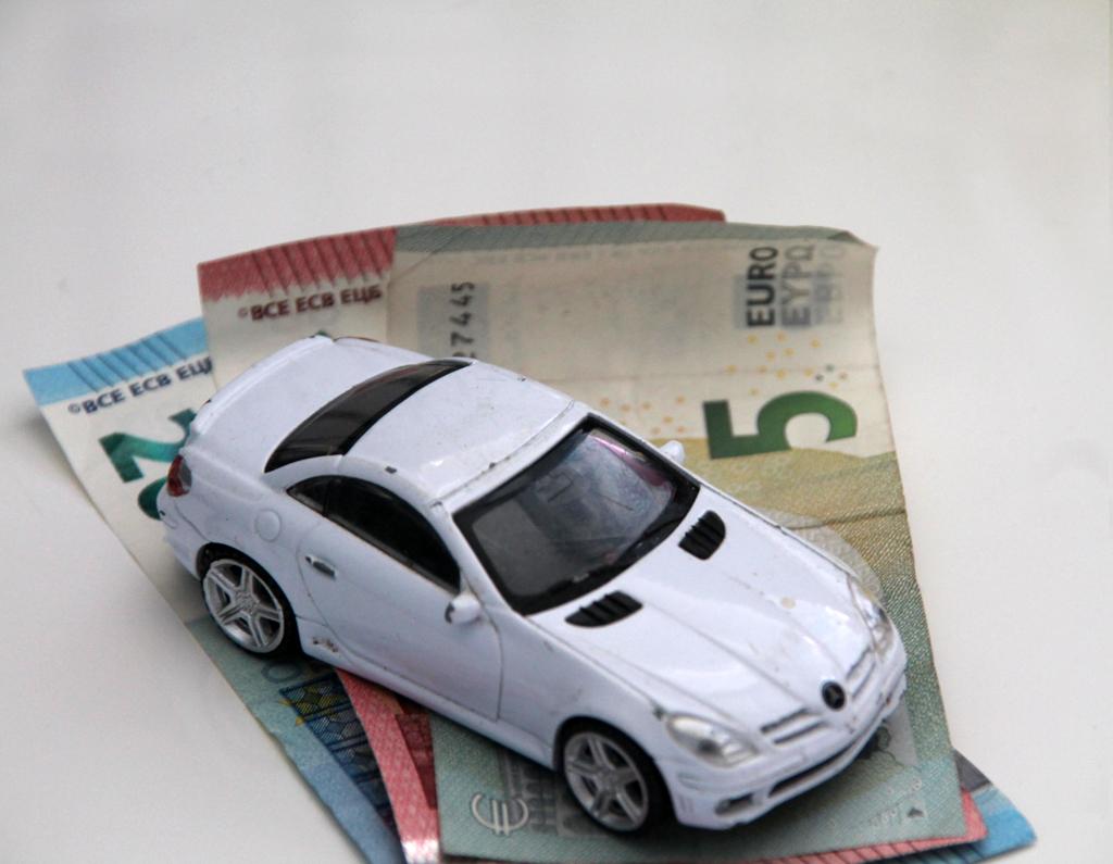 Auto op geld