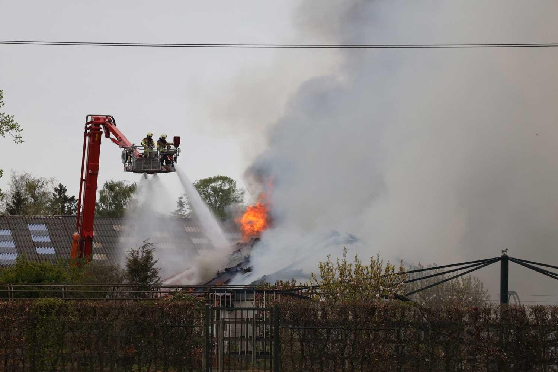 brand-boerderij-dak