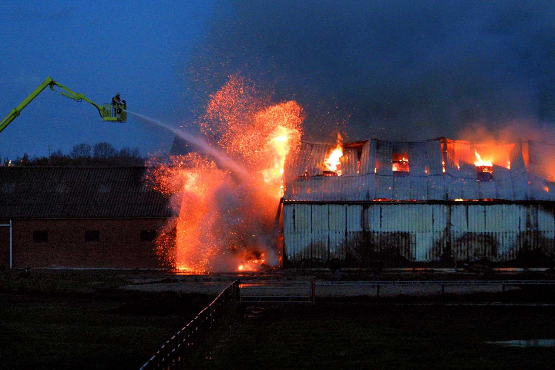 brand-manege-hoogwerker-brandweer