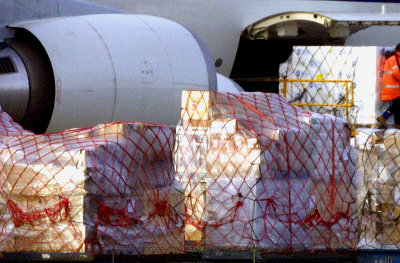 cargo-vliegtuig-dozen-schiphol