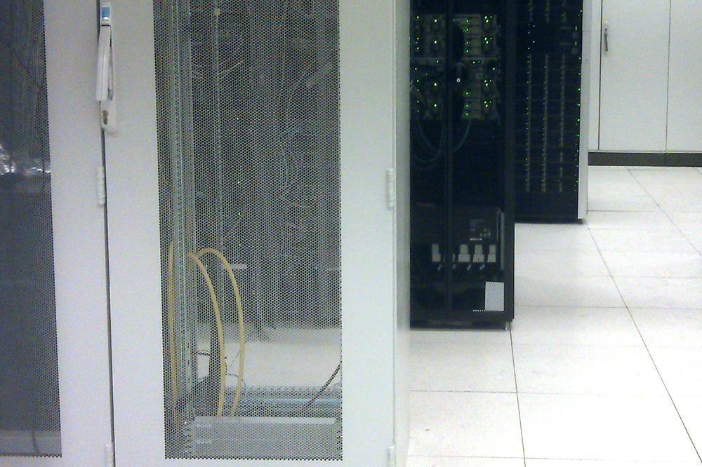 Foto van computer server hosting internet   Archief EHF