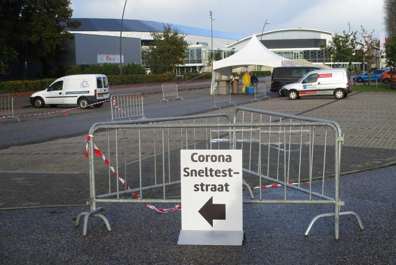 corona-sneltest-straat-Thialf