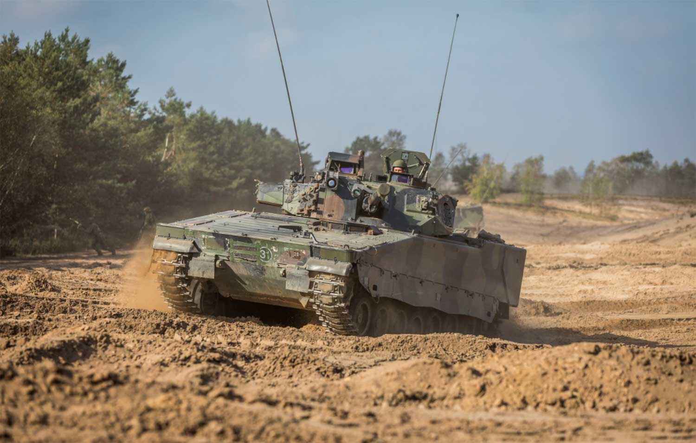 cv90-tank-rupsvoertuig-defensie