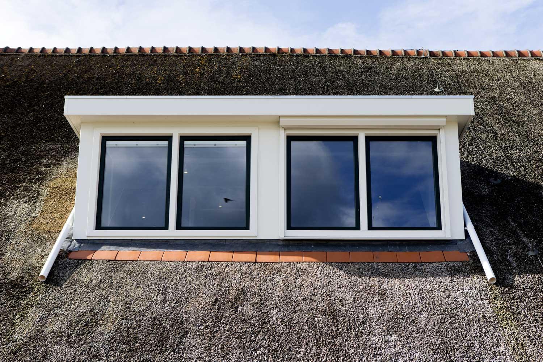 Onbezorgd de zomer door met een kunststof dakkapel