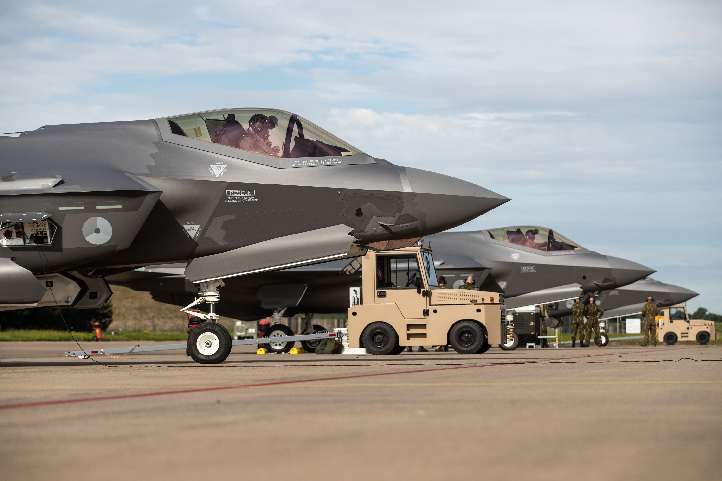 f-35-flightline