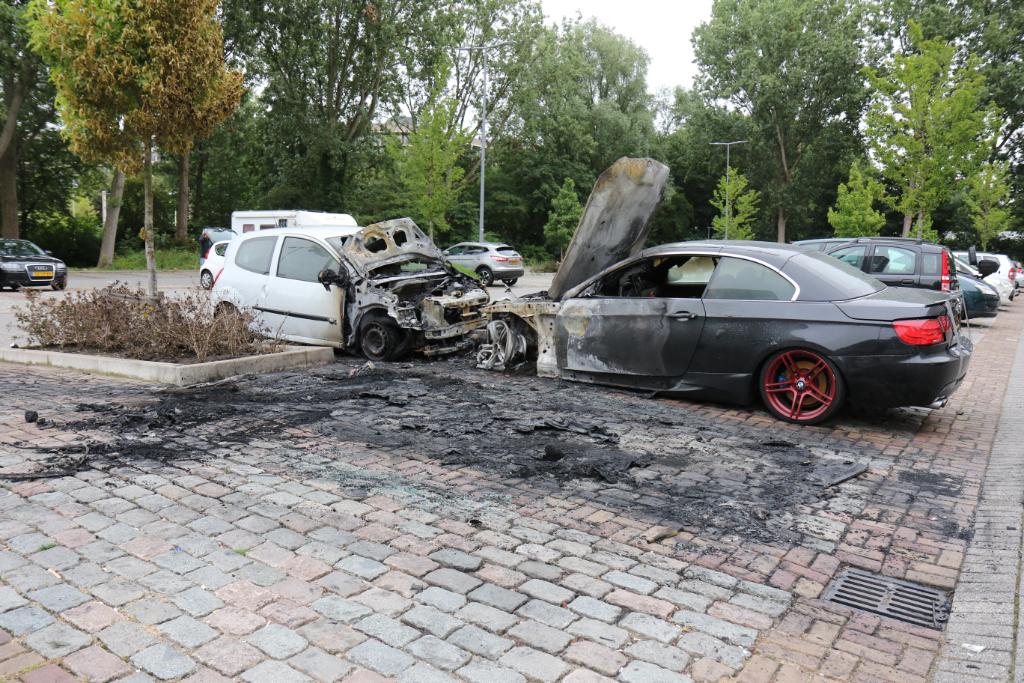 uitgebrande auto's