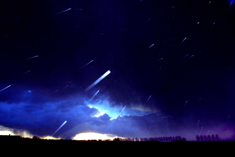hagel-wolk-onweer-donker