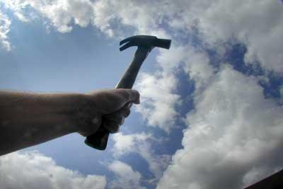 Man (53) slaat 'foutparkeerder' met hamer