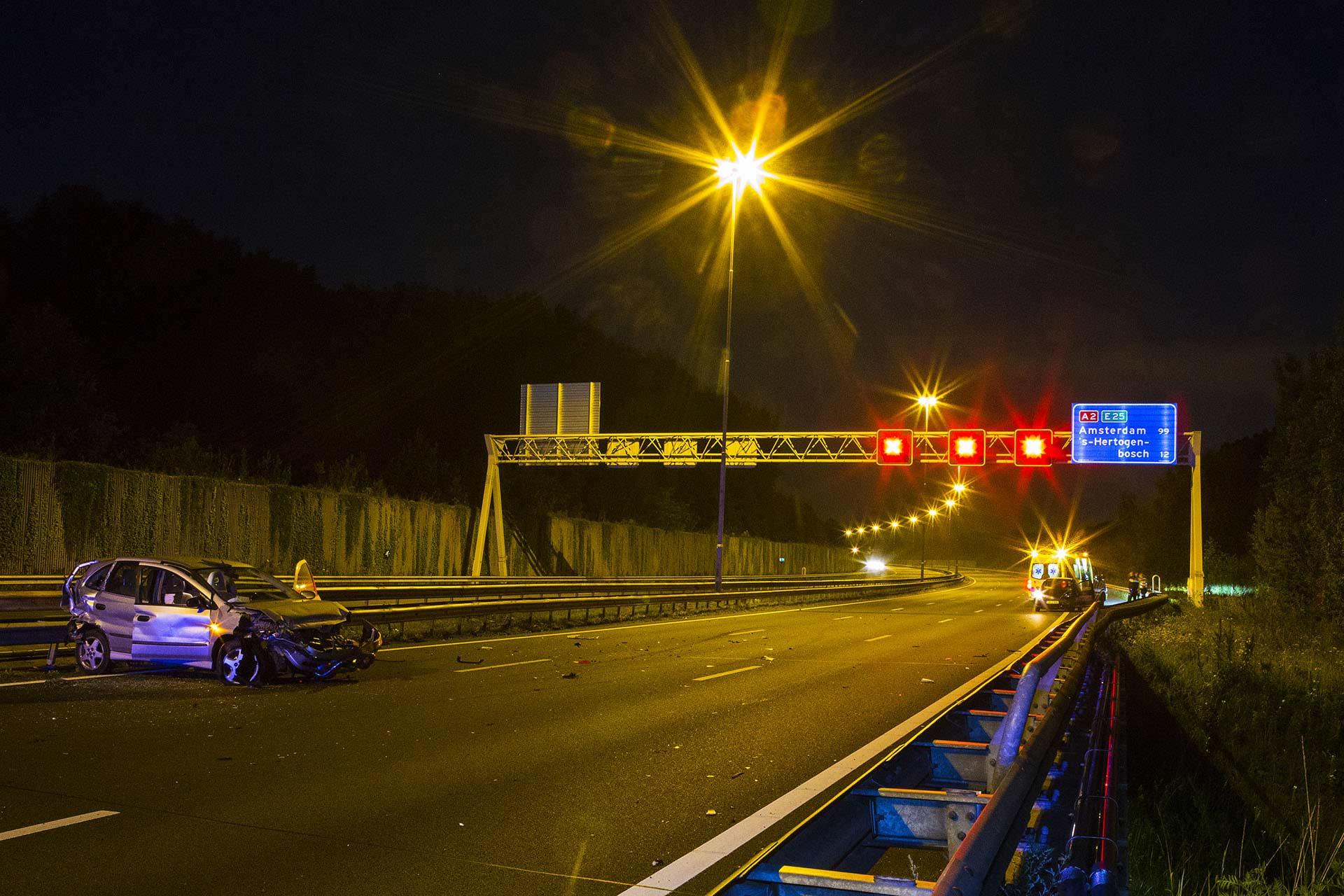 Veel blikschade bij aanrijding drie auto's op A2 bij Boxtel