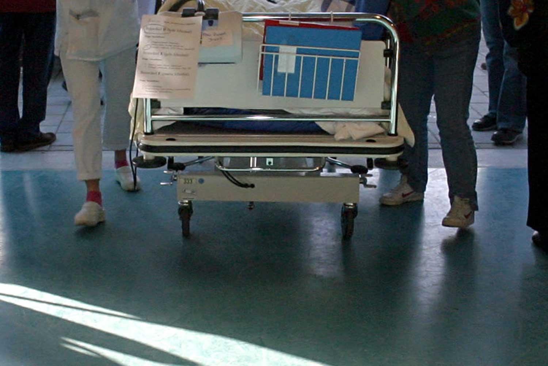patient-bed-verpleegster