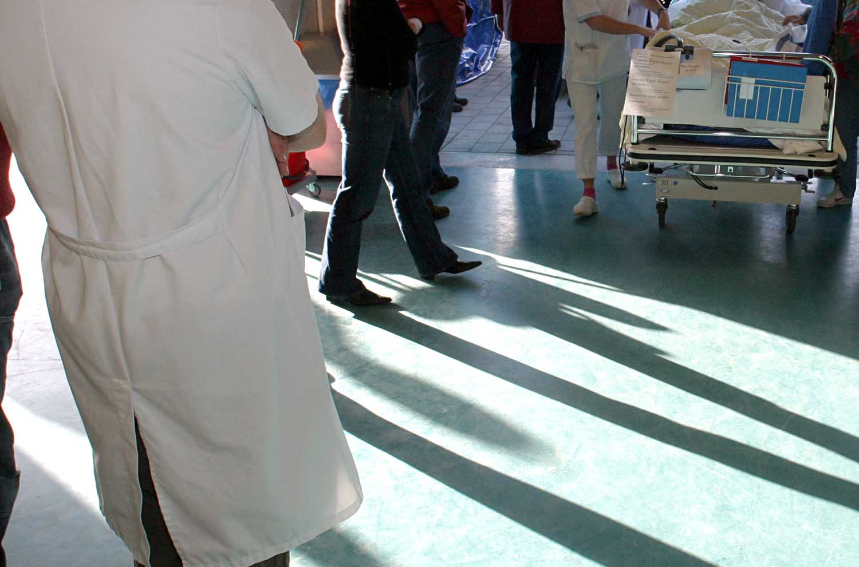 patiënt-vervoer-ziekenhuis-arts