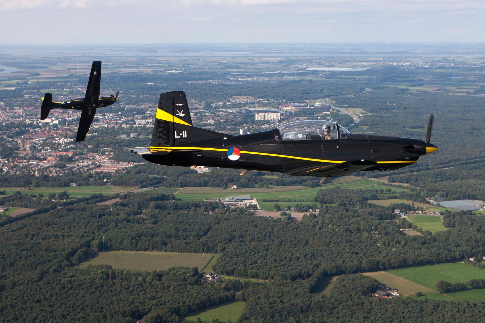 PC-7 Lesvliegtuig Luchtmacht