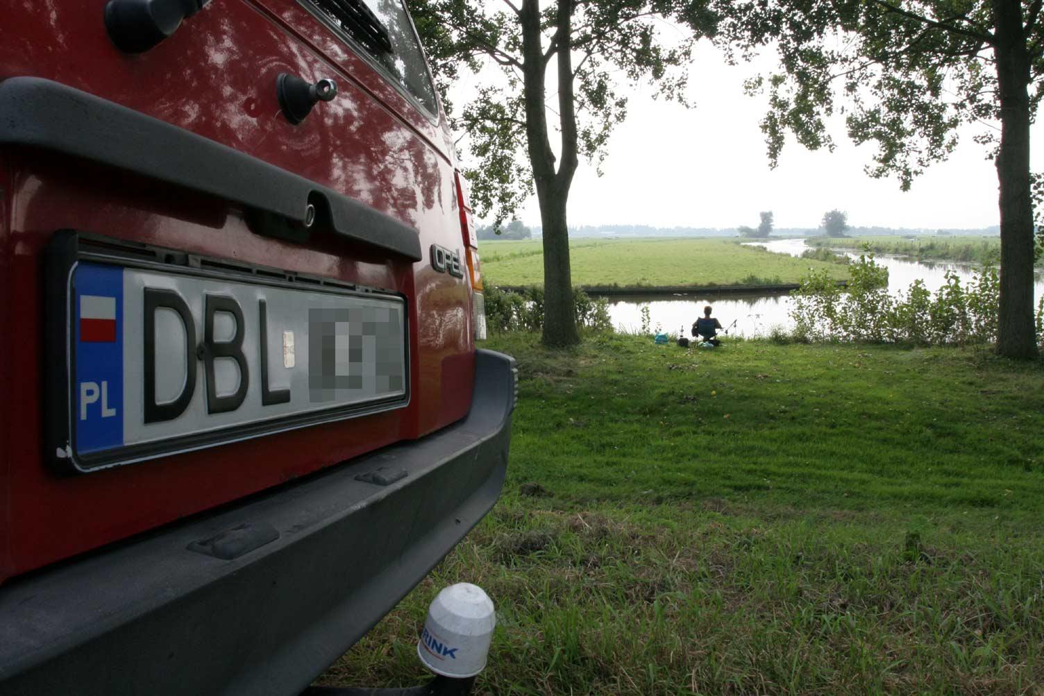 Miljoenen aan uitkeringsgeld in rook op naar Polen