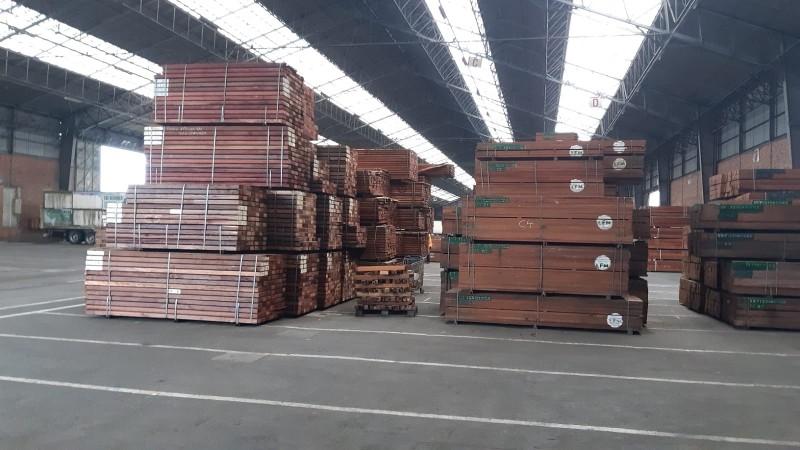 Illegaal hout in beslag genomen