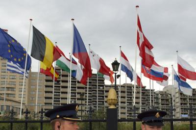 Foto van politie voor hotel Huis ter Duin in Noorwijk   Archief EHF