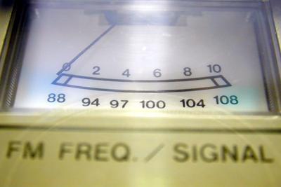 Foto van radio frequentie VU-meter   Archief EHF