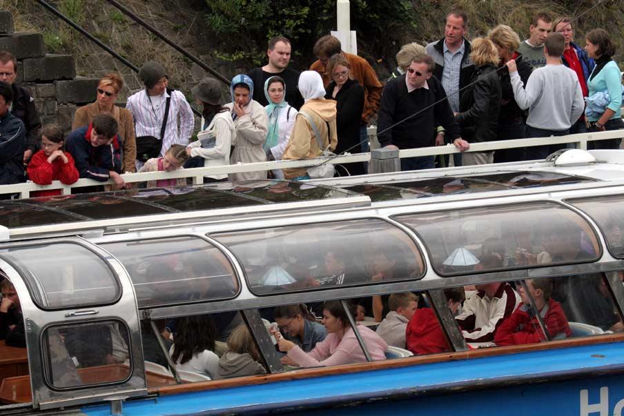 Spannende dag voor rederijen van rondvaartboten in Amsterdam