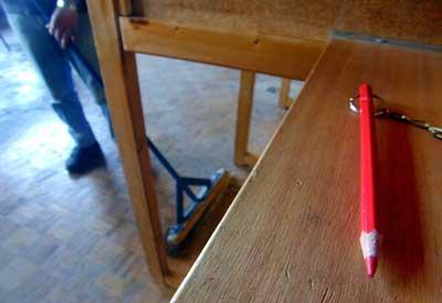 Foto van rood potlood stemmen | Archief EHF