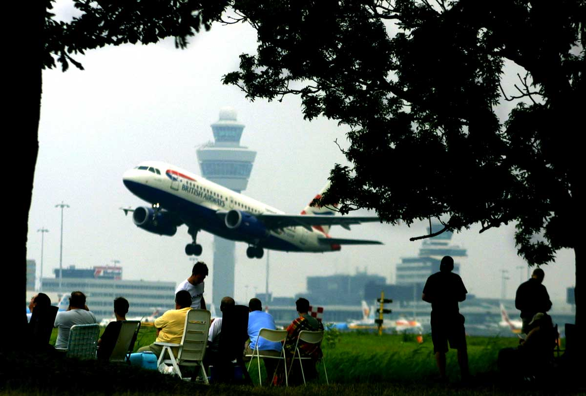 spotters-schiphol-vliegtuig-verkeerstoren