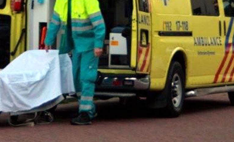 steekpartij, gewond, ambulance,