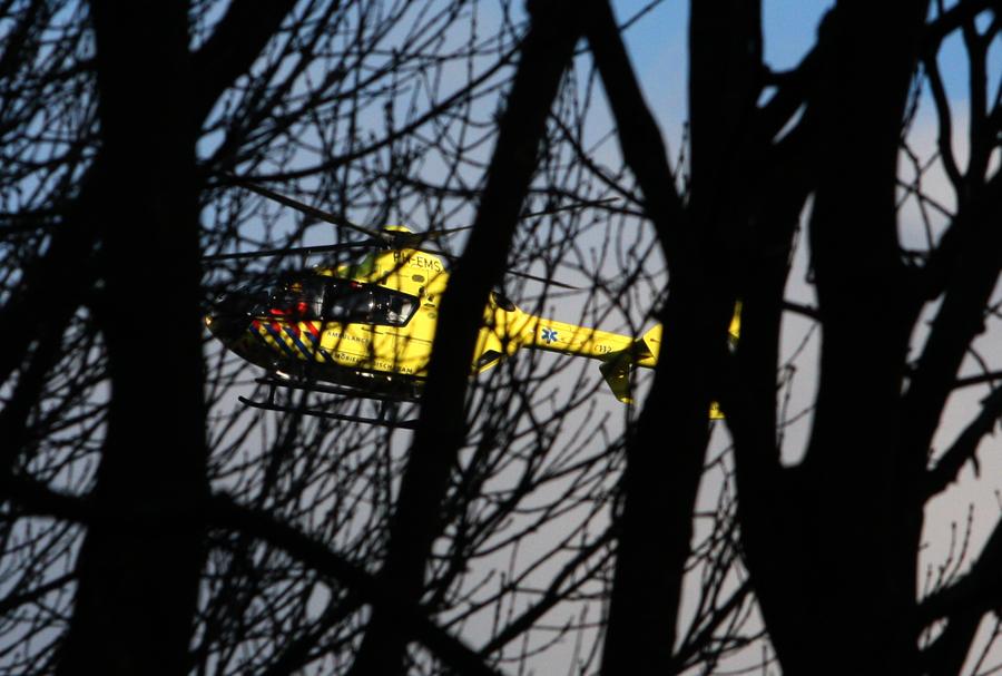 Foto van traumaheli tussen bomen   Archief EHF