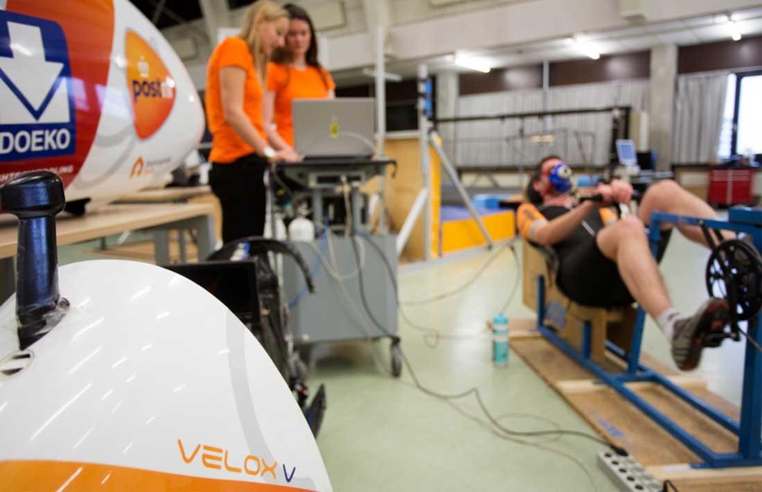 Jan Bos gaat voor wereldrecordpoging 'hightech' ligfiets VeloX