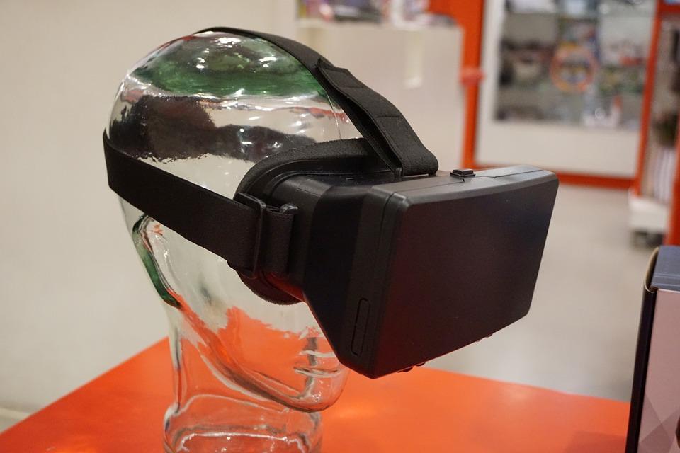 Virtual Reality therapie helpt mensen met psychose van angst en paranoia af