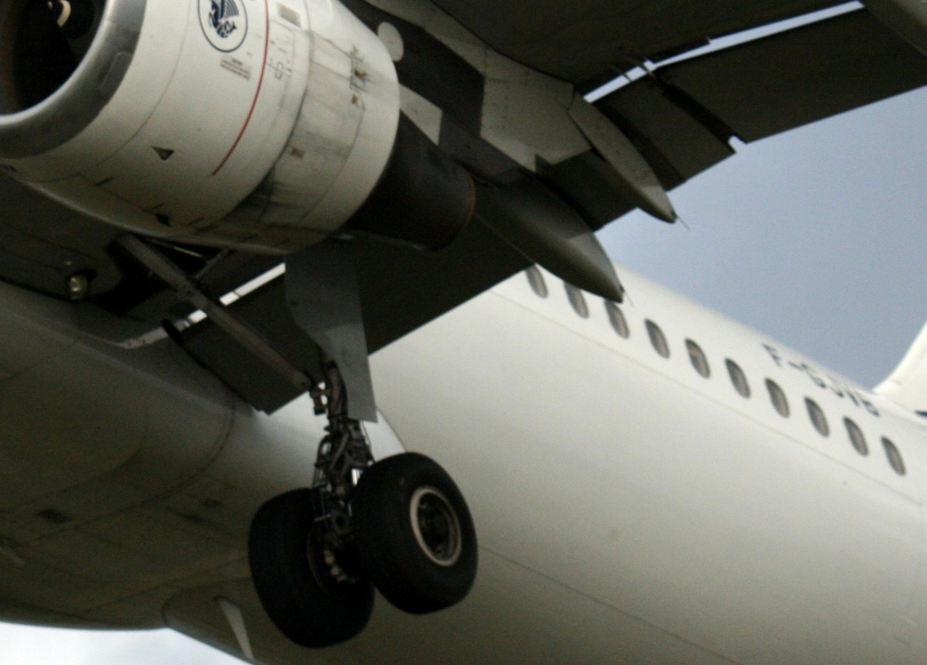 Vliegtuig maakt noodlanding na hevige turbulentie. 21 gewonden