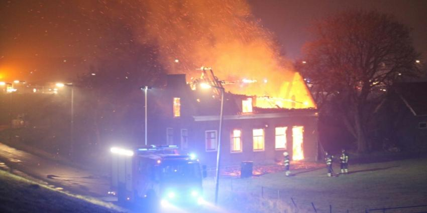 Leegstaande boerderij in vlammen opgegaan