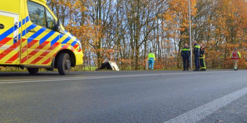 Auto glijdt van de afrit N366 bij Nieuwe Pekela