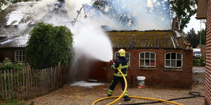 Grote brand in woonboerderij in Breugel