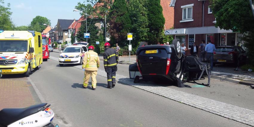 Auto op de kop in Veendam