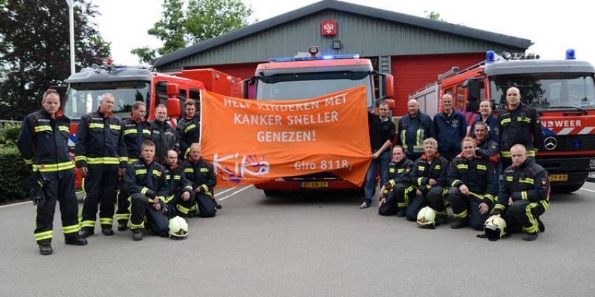 Foto van brandweer wast ramen voor goed doel | M.Druppers en R.Koene | www.112inhetnieuws.nl
