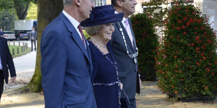 Prinses Beatrix opent paviljoen 'Nederland en de Eerste Wereldoorlog'