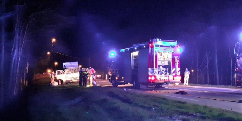 brand in kleine vrachtwagen