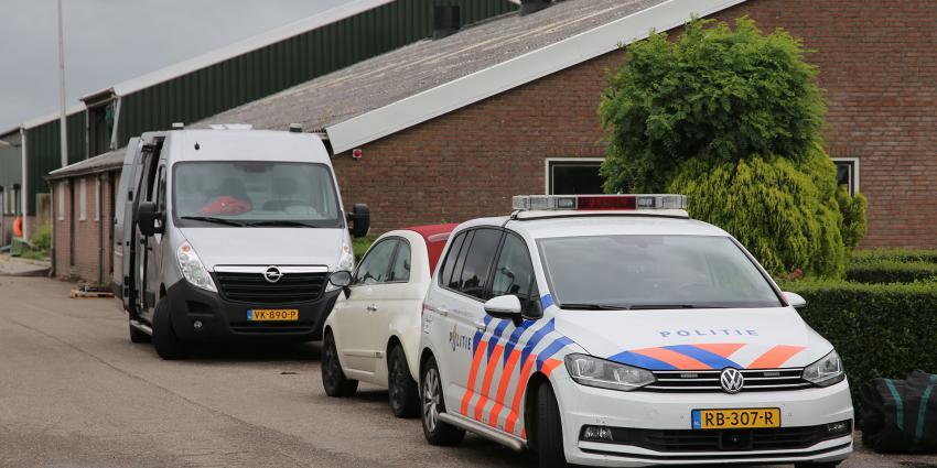 politie bij woning slachtoffer