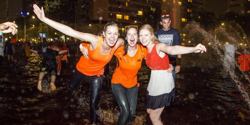 Feest na overwinning Oranje in Rotterdam