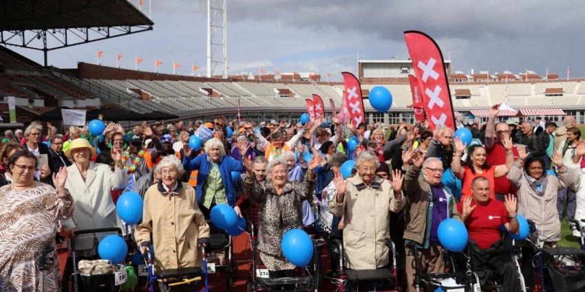 Oudste deelnemer nationale rollatorloop 101 jaar oud