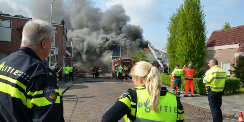 Zeer grote brand na explosie in Winschoten