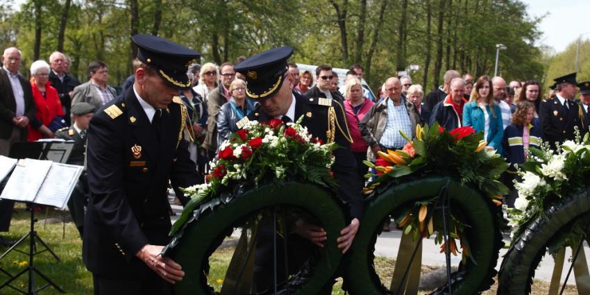 Foto van herdenking De Punt | Rieks Oijnhausen | rieksoijnhausen.nl/