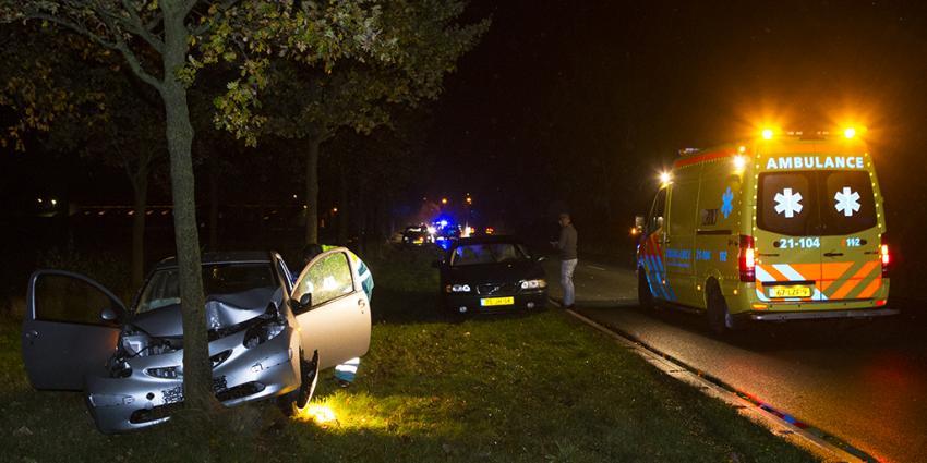 Foto van aanrijding met boom in Boxtel | Persburo Sander van Gils | www.persburausandervangils.nl