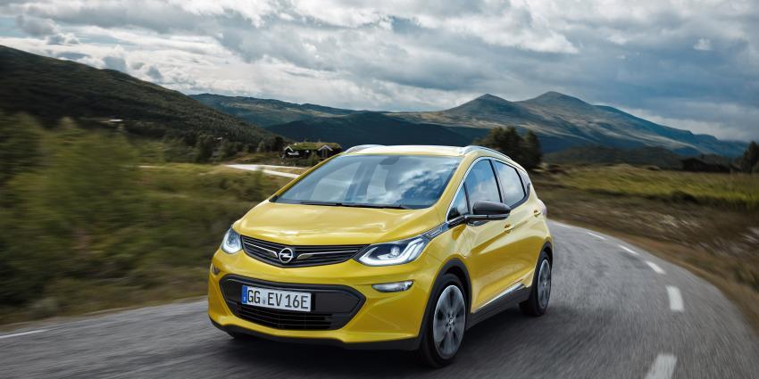 Opel Ampera-e wint Autobest 2016 Awards
