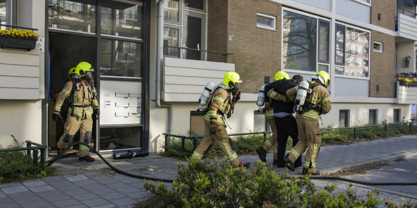 Zwaargewonde bij woningbrand in Schiedam