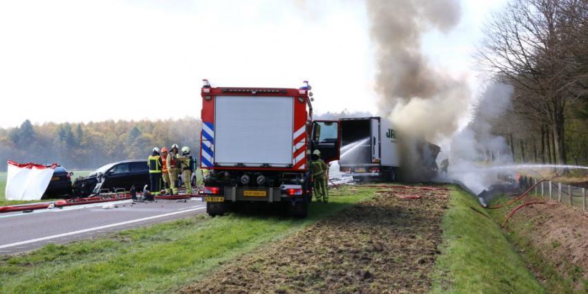Dode bij ernstig ongeval op N381 bij Sleen